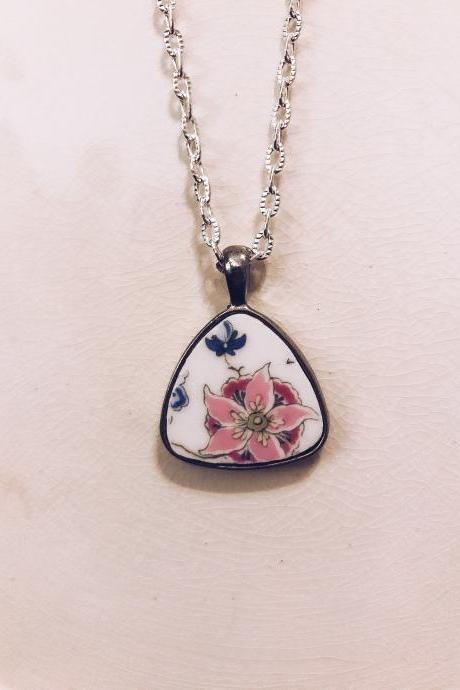ViNTAGE BONE CHINA fLORAL pendant